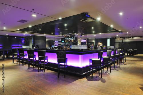 Obraz modern bar club indoors - fototapety do salonu