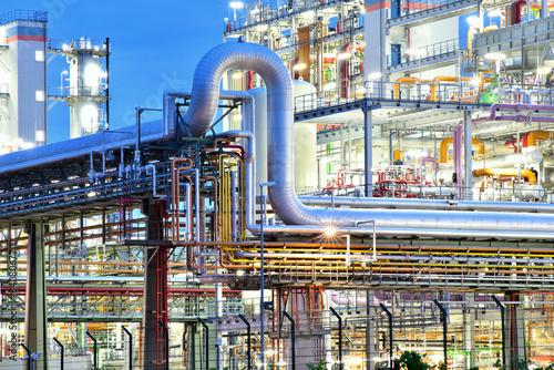 Fotografie, Obraz  Industrieanlage - Chemiewerk bei Nacht // chemical plant