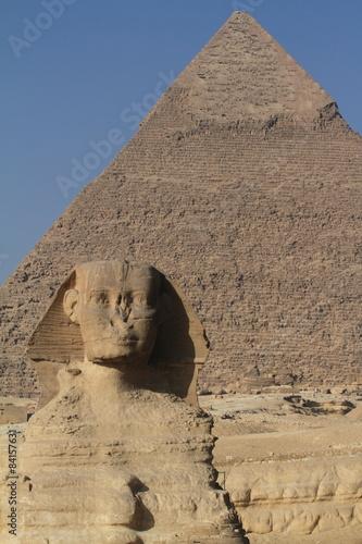 piramidy-w-gizie-i-sfinks-w-egipcie