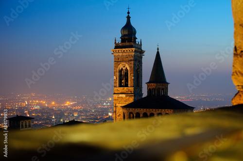 Poster Artistiek mon. Bergamo città alta, bergamo vecchia, campanone bergamo