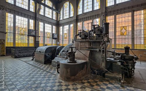 Papiers peints Les vieux bâtiments abandonnés Old destroyed an abandoned factory.Natural HDR