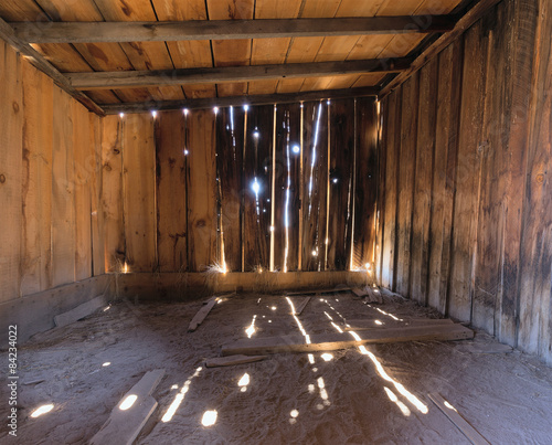 Stampa su Tela Interior of a Rustic Old Wooden Barn