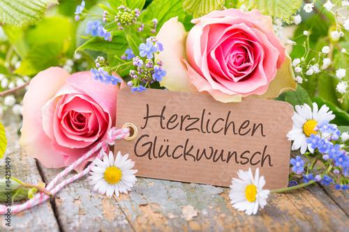 Fotografía  Herzlichen Glückwunsch - Karte mit Blumenstrauß