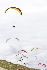 Fototapeta paragliding at the sea side