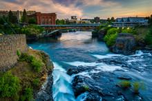 Spokane Falls And View Of Buildings In Spokane, Washington.