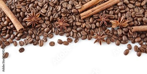 kawowe-fasole-przy-wierzcholkiem-z-anyzem-i-cynamonem-na-bielu