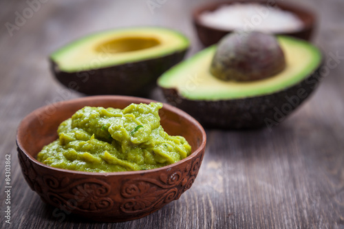 Foto  Guacamole with avocado