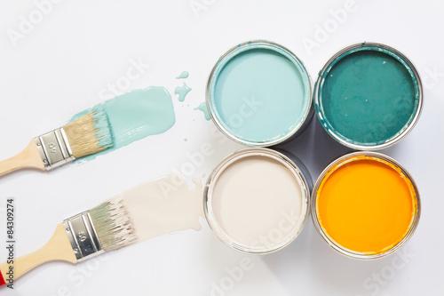 Fotografiet Trendfarben mit Malerpinsel