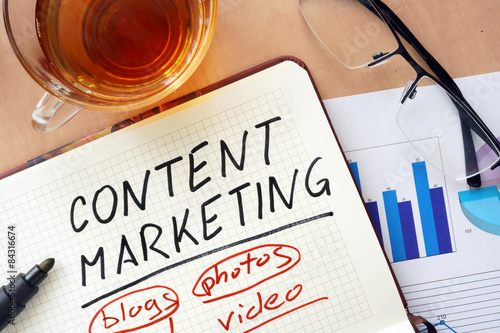 Obraz Notepad with words content marketing concept   - fototapety do salonu