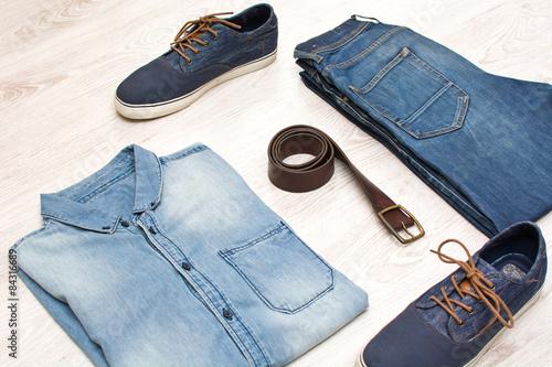 Obraz jean clothes on wood - fototapety do salonu