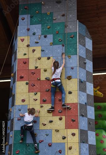 Foto op Plexiglas Alpinisme arrampicata palestra bambini