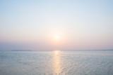 沖縄の海・夕日と淡い空 - 84355048