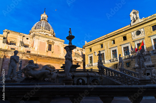 Poster Texas Baroque fountain on piazza Pretoria in Palermo, Sicily