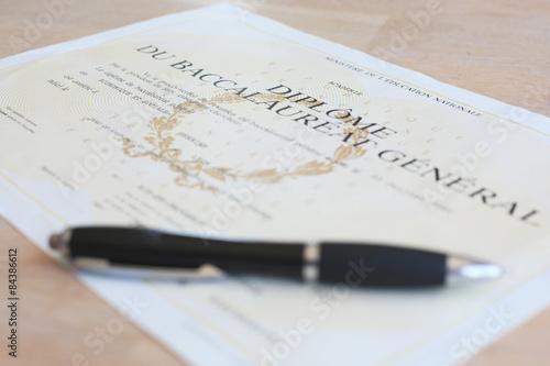 Foto  Diplôme de réussite au Baccalauréat - Certificat