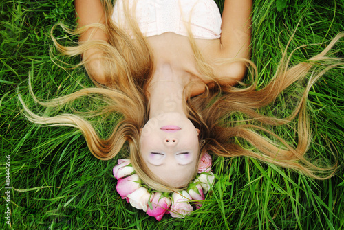 Photographie  Girl With Roses Guirlande 2