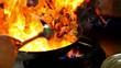 chinesisch kochen fast food zeitlupe feuer