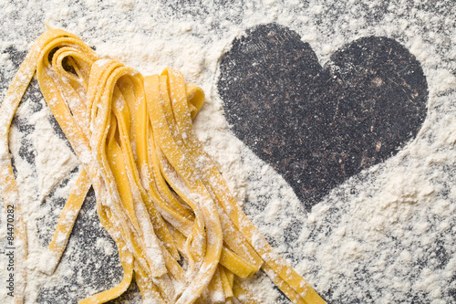 Fotografie, Tablou homemade pasta and heart