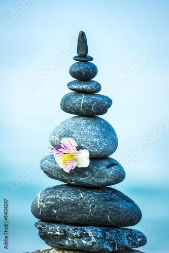 powiedz-milosci-i-pokoju-z-kamieniami-morskimi