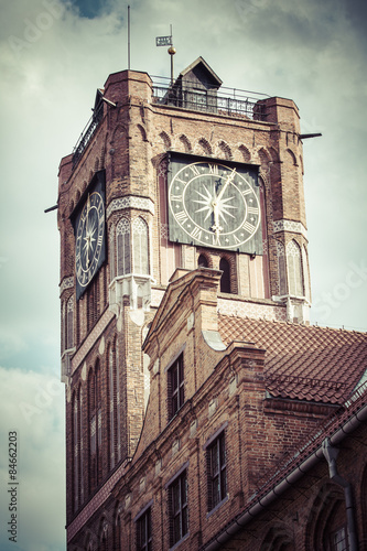gothic-tower-of-town-hall-in-torun-city-on-the-world-heritage-li