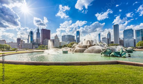 Poster Chicago Buckingham fountain and Chicago downtown skyline