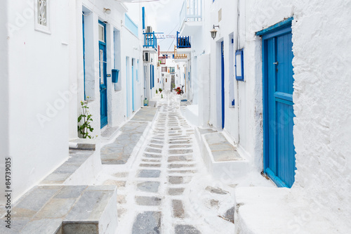 Obraz Mykonos streetview, Greece - fototapety do salonu