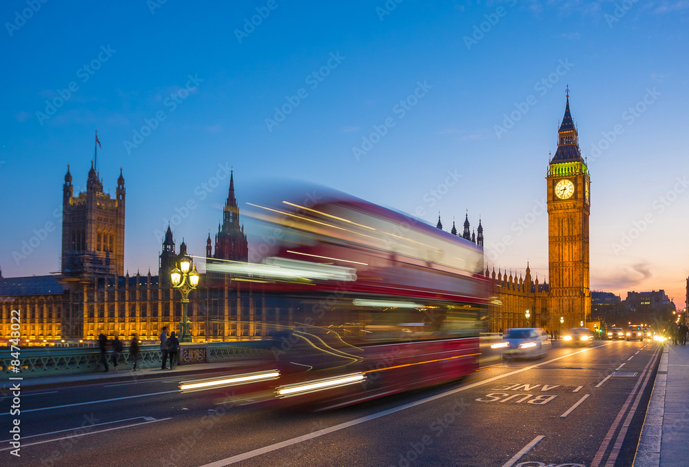 Photo  Iconic Double Decker bus with Big Ben and Parliament at blue hour, London, UK