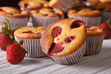 Muffins With Fresh Strawberrie...