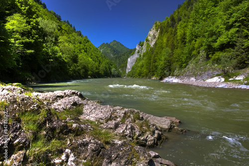 Papiers peints Riviere Beautiful view of the mountain river Dunajec