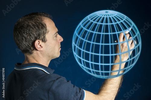 Fotografie, Obraz  Hombre dibujando una esfera