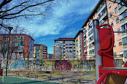 Stampa su Tela veduta di palazzi della periferia cittadina di Torino