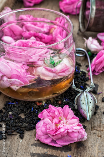 Garden Poster tea rose