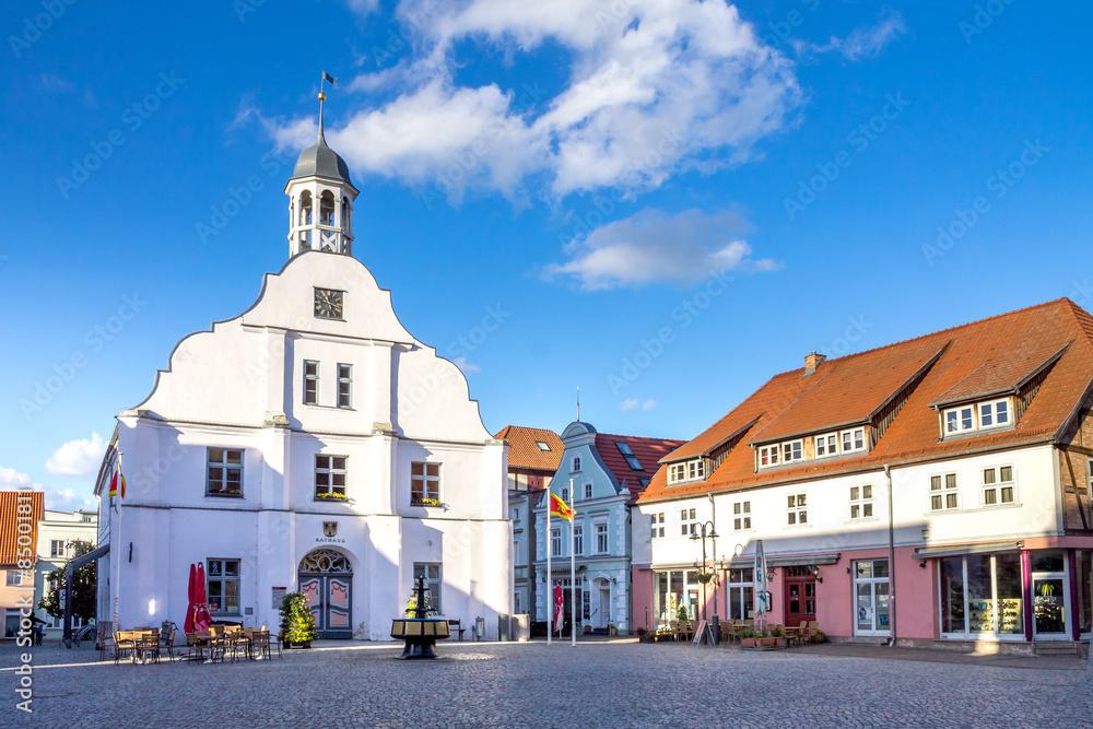 Fototapety, obrazy: Rathaus Wollgast