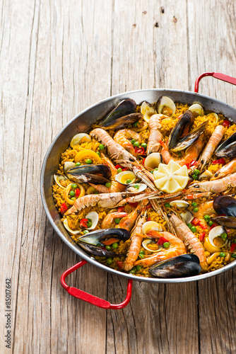 Photo  Paella with seafood