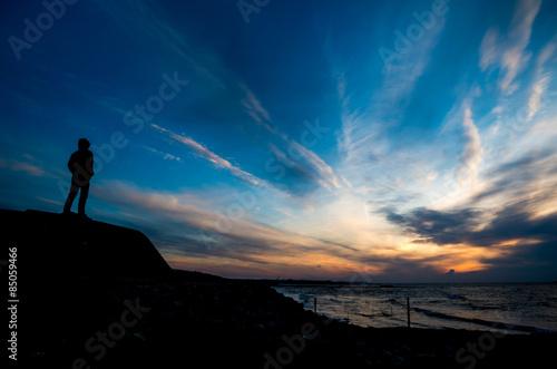 Blick auf die Nordsee von Schwedens Westküste aus während eines Sonnenuntergangs Canvas Print