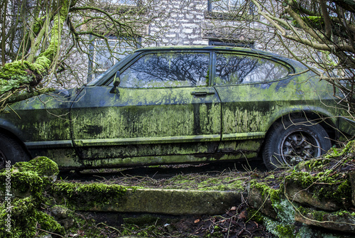 фотография  Abandoned Car