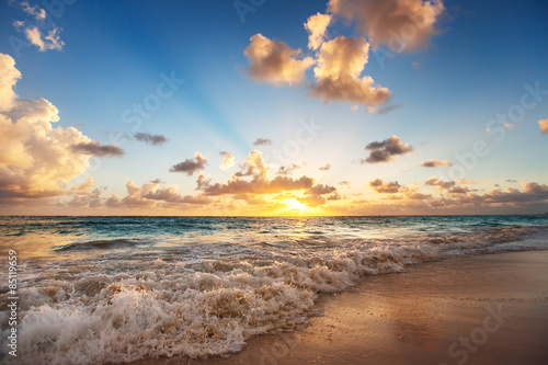 Fototapeta Sunrise on the beach of Caribbean sea obraz