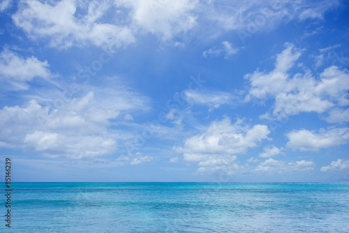Staande foto Zee / Oceaan Seascape with clouds and blue sky background