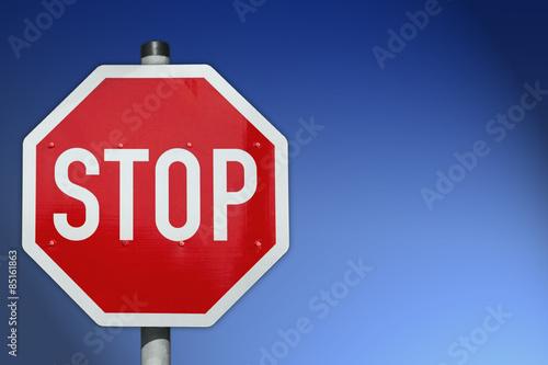 Fotografie, Obraz  Stopschild mit blauem HG