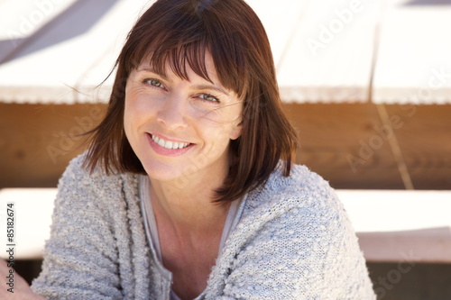 Photographie  Healthy older woman smiling outside