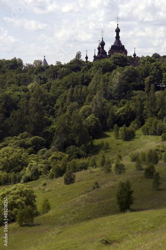 Poster Hill Русский пейзаж. Вид на Шамординский монастырь.