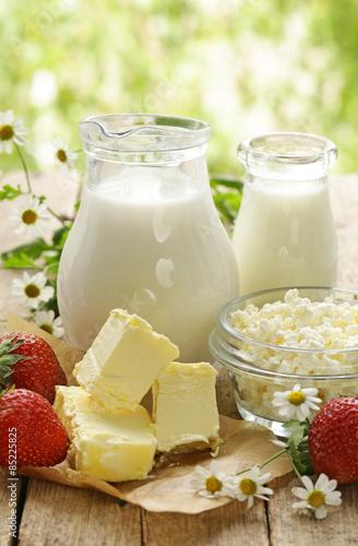 Staande foto Zuivelproducten assortment of dairy products (milk, butter, sour cream, yogurt)