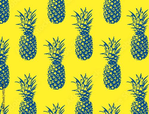 ananasy-na-zoltym-tle
