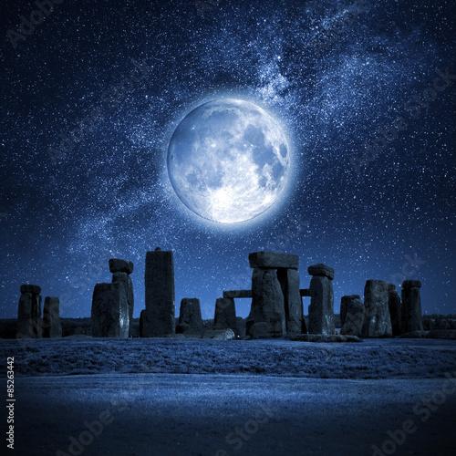 Stonehenge full moon - 85263442