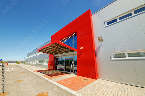 Staande foto Industrial geb. Aluminum facade on industrial building