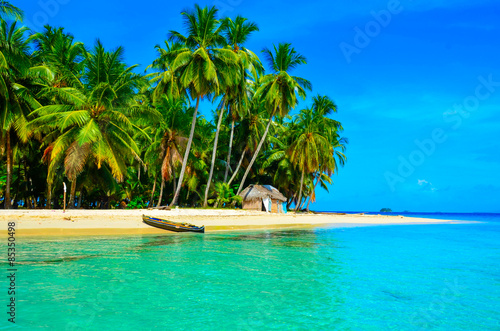 Poster Tropical plage Paradise tropical beach at beautiful island