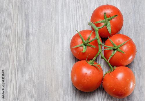 Photo Grappolo di pomodori rossi,qualità Ailsa Craig