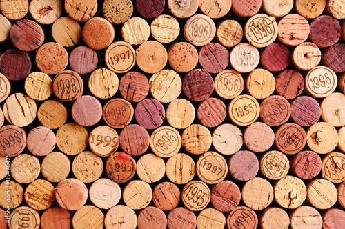 Montage in der Fensternische Wein Wall of Wine Corks