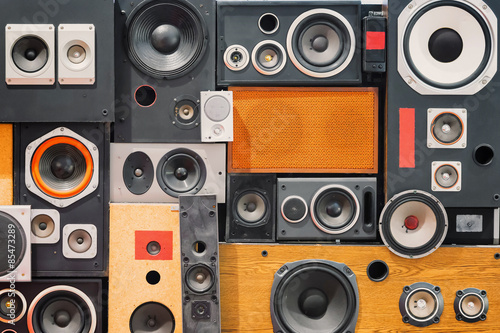 Fotografía wall of retro vintage style Music sound speakers