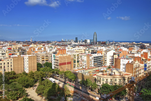 Photo View to Barcelona city center from Sagrada Familia Cathedral