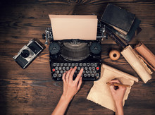 Retro Typewriter On Wooden Pla...